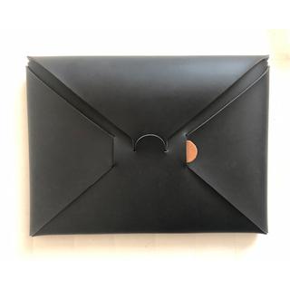 イロセ(i ro se)のirose seamless clutch bag-S black (クラッチバッグ)