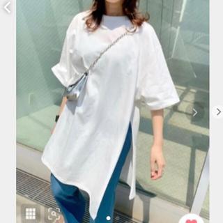 フーズフーギャラリー(WHO'S WHO gallery)のwho's who   サイドスリットTシャツ(Tシャツ(長袖/七分))