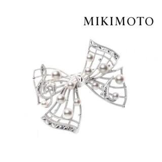 ミキモト(MIKIMOTO)のミキモト 現行品 ミュージック リボン ブローチ アコヤ真珠(ブローチ/コサージュ)