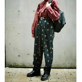 ロイスクレヨン(Lois CRAYON)の&ellecy アンドエルシー ミニOJ3 パンツ 猫 ロイスクレヨン(カジュアルパンツ)
