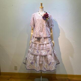 PINK HOUSE - ピンクハウスの大変素晴らしいブラウス&スカートのセットです。