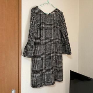 トランテアンソンドゥモード(31 Sons de mode)の美品 袖口ギャザーワンピース(ひざ丈ワンピース)