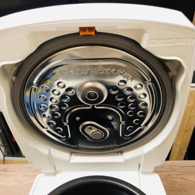 三菱電機(ミツビシデンキ)の三菱 NJ-VE106 炊飯器 スマホ/家電/カメラの調理家電(炊飯器)の商品写真