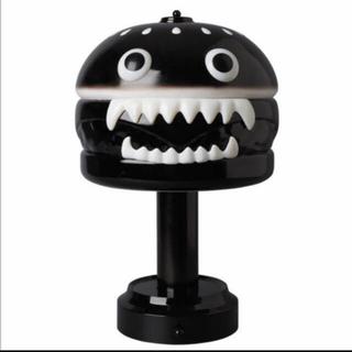 メディコムトイ(MEDICOM TOY)のUNDERCOVER hamburger LAMP アンダーカバー ランプ 黒(テーブルスタンド)