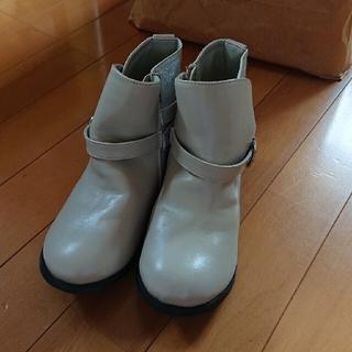 ベベ(BeBe)のBEBE コンビショートブーツ サイズ21(ブーツ)