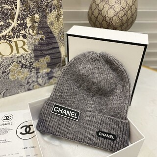 シャネル(CHANEL)の新商品未使用のCHANELニット帽 灰(ニット帽/ビーニー)
