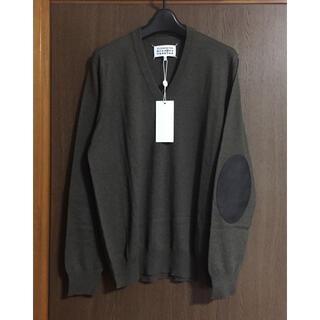マルタンマルジェラ(Maison Martin Margiela)のM新品 メゾン マルジェラ エルボーパッチ ニット V セーター メンズ カーキ(ニット/セーター)