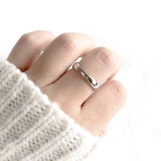 アダムエロぺ(Adam et Rope')の【シルバー925】ツイストウェーブ シルバーリング フリー指輪 (リング(指輪))