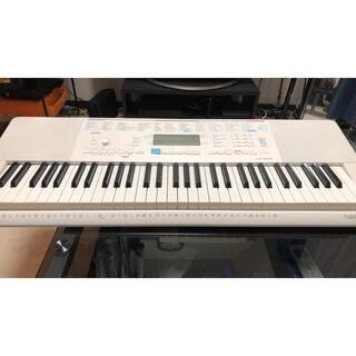 カシオ(CASIO)のCASIO LK223 光るキーボード 61鍵盤(電子ピアノ)