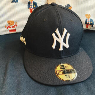 モマ(MOMA)のMoMA NEWERA CAP(キャップ)