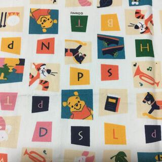 ディズニー(Disney)のプーさん ディズニー オックス はぎれ 生地 ハンドメイド 110×90(生地/糸)