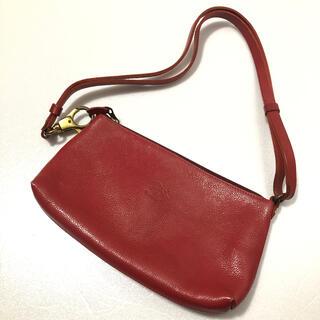 イルビゾンテ(IL BISONTE)のイルビゾンテ IL BISONTE ハンドバッグ 肩掛け 赤 イタリア製(ハンドバッグ)