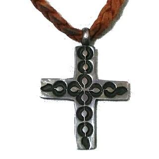 ラルフローレン(Ralph Lauren)のラルフローレン 十字架 クロス ネックレス ネイティブ  革紐 皮紐 三つ編み (ネックレス)