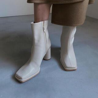 アメリヴィンテージ(Ameri VINTAGE)のUNDRESSED DIMENSIONAL SQUARE BOOTS(ブーツ)