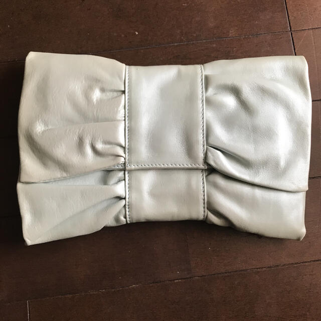 Furla(フルラ)の週末限定値下げ FURLA リボンクラッチ 可愛い レディースのバッグ(クラッチバッグ)の商品写真