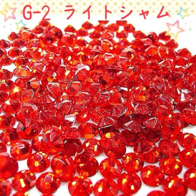 G-2 ライトシャム 赤 レッド ハンドメイドのアクセサリー(ネイルチップ)の商品写真