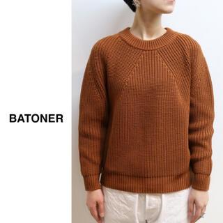 コモリ(COMOLI)のBATONER(バトナー)| シグネチャークルーネックニット(ニット/セーター)
