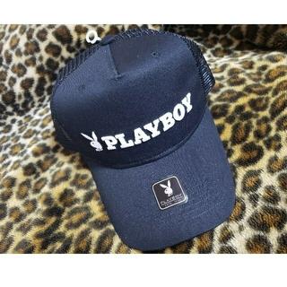 プレイボーイ(PLAYBOY)のPLAYBOY キャップ 帽子 ブラック × ホワイト(キャップ)