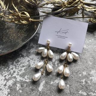 スナイデル(snidel)のswing pearl earrings(イヤリング)