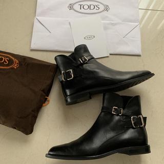 トッズ(TOD'S)のトッズ ショートブーツ(ブーツ)