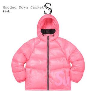 シュプリーム(Supreme)のSupreme Fooded Down Pink(ダウンコート)