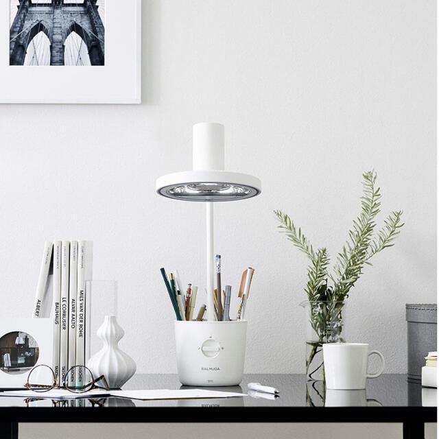 BALMUDA(バルミューダ)のもゆみず様専用バルミューダ ライト White新品未使用2020 インテリア/住まい/日用品のライト/照明/LED(テーブルスタンド)の商品写真