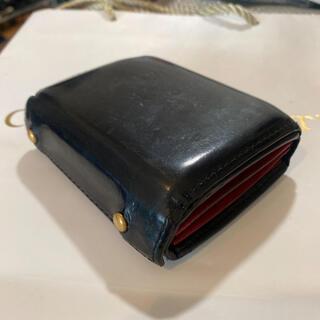 イルビゾンテ(IL BISONTE)のオールレザー エムピウ M+ ブラック×レッド  ミッレフォッリエ2(折り財布)
