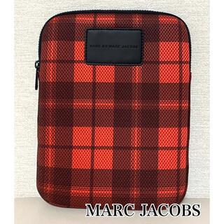 マークバイマークジェイコブス(MARC BY MARC JACOBS)のMARC BY MARC JACOBS ☆ 新品未使用 PC ケース チェック赤(クラッチバッグ)