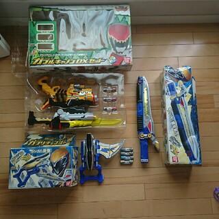 バンダイ(BANDAI)のキョウリュウジャー3点セット+別売獣電池4個(キャラクターグッズ)