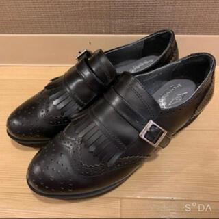 ランダ(RANDA)の*新品未使用*RANDA ベルト付 ローファー 黒 22cm(ローファー/革靴)