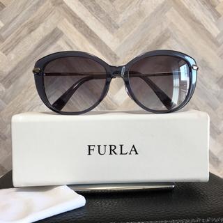 フルラ(Furla)の【美品】FULRAフルラサングラス SFU119J-1BT ロゴ入りケースおまけ(サングラス/メガネ)