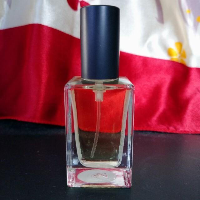 LUSH(ラッシュ)のLUSH ダーティ 15ml 未使用品 コスメ/美容の香水(ユニセックス)の商品写真