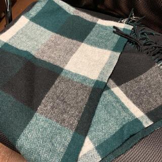 ビームス(BEAMS)のbeams グリーン チェックマフラー スカーフ(マフラー/ショール)