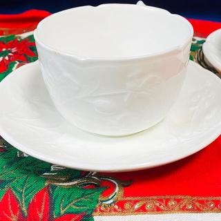 ミントン(MINTON)の【未使用】ヴィクトリア ストロベリーティーカップ&ソーサ ペア(食器)