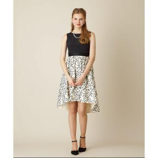 エメ(AIMER)のAIMER ドレス 花柄 白黒(ミディアムドレス)