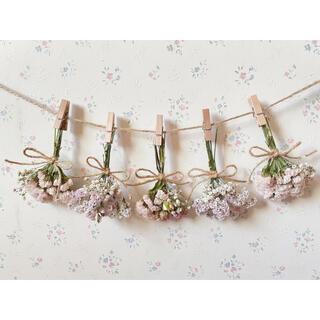3種のバラのパステルピンクドライフラワーガーランド♡スワッグ♡ミニブーケ♡壁掛け(ドライフラワー)