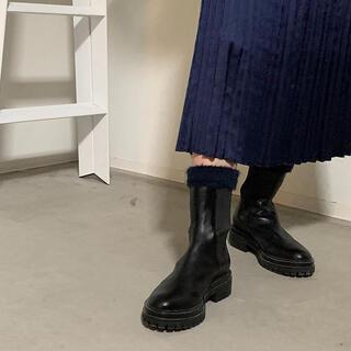 アパルトモンドゥーズィエムクラス(L'Appartement DEUXIEME CLASSE)の期間限定出品Gianvito Rossiサイドゴアチェルシーブーツ アパルトモン(ブーツ)