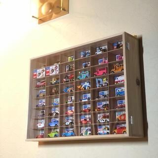 壁掛けトミカケース6×8マス(最大96台収納可能)/新品/トミカ50周年記念(ミニカー)