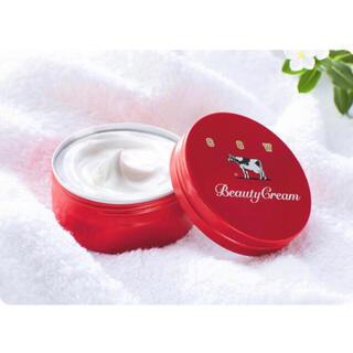 ギュウニュウセッケン(牛乳石鹸)の牛乳石鹸 赤箱 限定品!ビューティクリーム80g  1点(ボディクリーム)