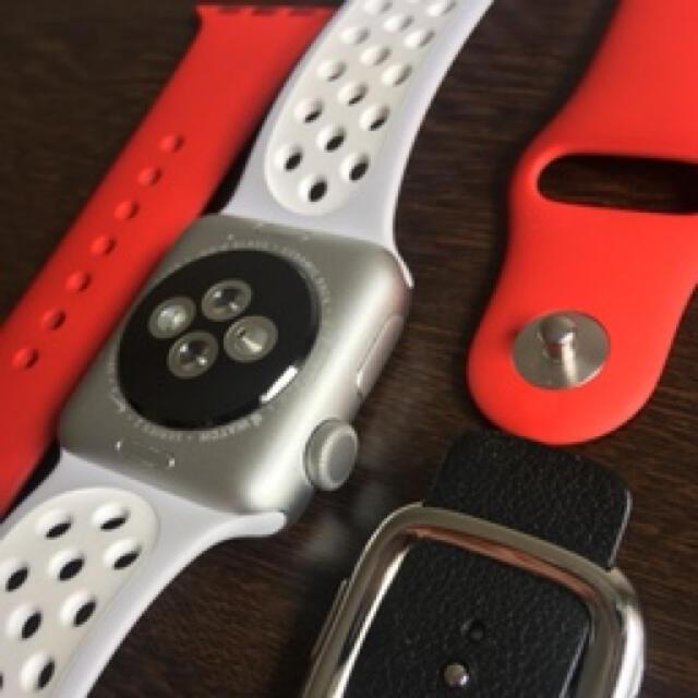 Apple Watch(アップルウォッチ)のApple Watch series2 NIKE+38mm/アルミニウムシルバー メンズの時計(腕時計(デジタル))の商品写真