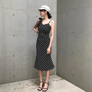 アシンメトリードットワンピース 韓国ファッション(ロングワンピース/マキシワンピース)