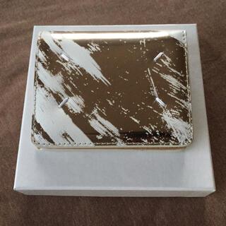 マルタンマルジェラ(Maison Martin Margiela)の新品 メゾン マルジェラ メタリック ペイント 折り財布 レディース 財布(財布)