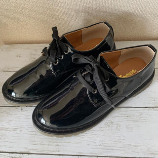 グローバルワーク(GLOBAL WORK)の新品 zippet エナメル Lサイズ(ローファー/革靴)