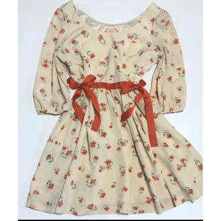 アイズビットガーディアン(ISBIT GUARDIAN)の花柄サイドリボンスカート(ミニスカート)
