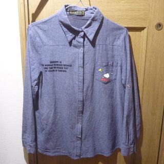 セシルマクビー(CECIL McBEE)のCECIL McBEE スヌーピーのシャツ サイズM (630)(シャツ/ブラウス(長袖/七分))