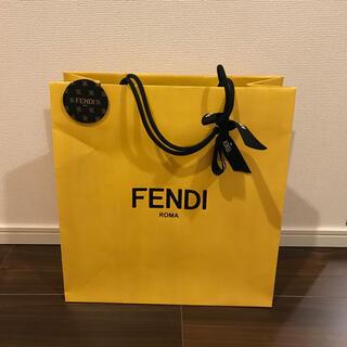 フェンディ(FENDI)のFENDI  ショッパー  チャーム リボン付き (ショップ袋)