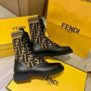 フェンディ(FENDI)のFENDI・新品・バイカー ブーツ黒 (ブーツ)