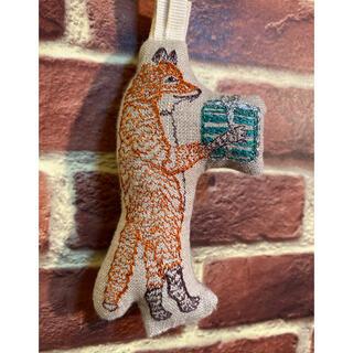 アッシュペーフランス(H.P.FRANCE)のコーラルアンドタスク オーナメント fox with present(その他)