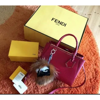 フェンディ(FENDI)の伊勢丹購入 フェンディ FENDI プチトゥージュール 27万 フラミンゴレザー(ハンドバッグ)