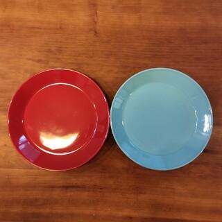 イッタラ(iittala)のイッタラ ティーマ レッド、ターコイズ2枚セット(食器)